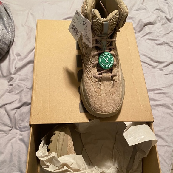 adidas yeezy boot rock